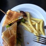 club sandwich en el bar