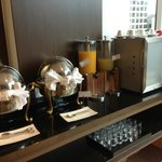 Executive Club lounge - breakfast