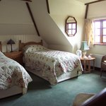 Cottage Room - Twin Beds