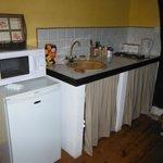 Kitchenette du Pressoir (micro-onde, réfrégirateur, plaque éléctrique)