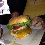 Tari's burger