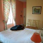 chambre avec lit double électrique