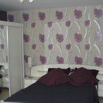 chambre principal avec un lit double