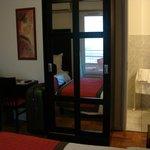 Habitación: armario y baño