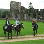 Llanthony Priory at the end of a wonderful full-day hack