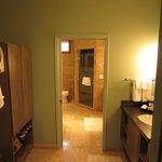 Room 601 Master dressing area