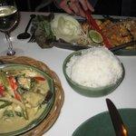 pad thai, curry verde di pollo