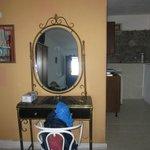 room - mirror oh mirror