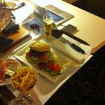 Room service (Hamburger)