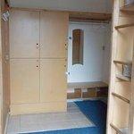 6 person dorm with Bathroom