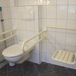 Behindertengerechtes Doppelzimmer Bad