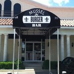 muscle& burger bar