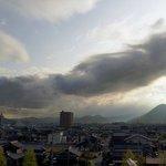 早朝の飯野山