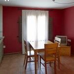 Cocina comedor apartamento de un dormitorio
