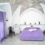 Camera matrimoniale con terzo letto in ambiente separato, con volta a stella in carparo leccese