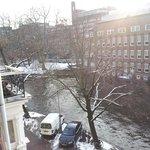 petit balcon vue sur canal au calme