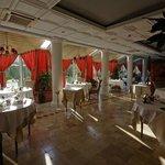 restaurant at L'Hostellerie des Clos