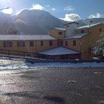 Struttura con sfondo Monte Cambio