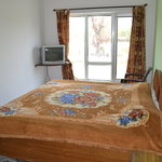 Laarge beded room