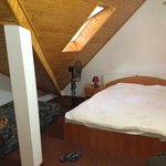 double room with an extra singe bed