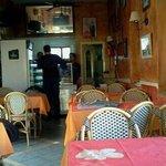 un endroit où on mange bien pour pas cher . Tres bonne cuisine tunisienne.