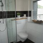 Badezimmer mit Tageslicht Zimmer 30
