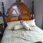 Suite - full of antique furniture