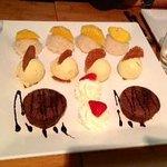 erster Gang vom dessert nach persönlichem Wunsch zusammengestellt und serviert