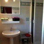 la salle de bain de la chambre Alphonse Daudet