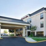 Hampton Inn Tracy Hotel exterior