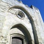 Neo-Romanesque arches