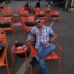 nono sur la nouvelle terrasse du mornys cafe ;)