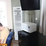 Mini-fridge, cable TV, microwave provided