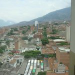 Esta es la vista desde la piscina del hotel