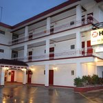 Truk Stop Hotel front view
