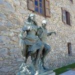 statua all'esterno
