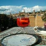 Campari Spritz depuis la terasse panoramique de l'hôtel