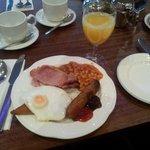 Typisches Früchstück im Kings manor