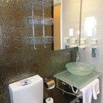 Bathroom (Room 86)