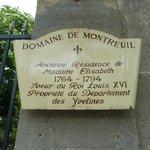 Entrée du Domaine sur l'Avenue de Paris au n° 73