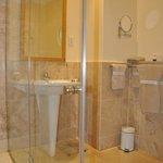 Standard Double En-Suite Bathroom