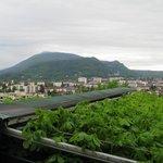 Annecy avec son lac et montagnes