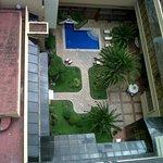 Jardín y Piscina desde el ascensor panorámico