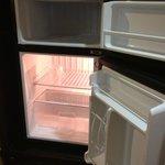 Super clean mini-fridge (with large freezer!)