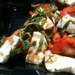 Caprese salad (to go)
