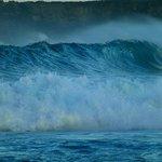 giant wave at boa beach
