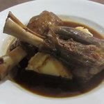 Lamb shank - creamy mash & rosemary wine juu