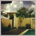 Nice Entrance to the Villa