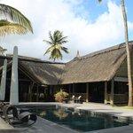 Bar e ristorante intorno alla piscina