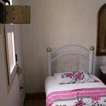 Zimmer von Eingangstür aus gesehen